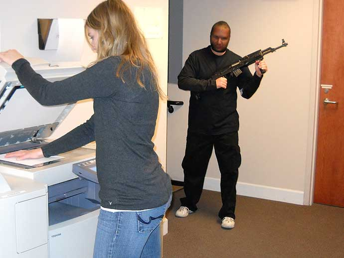 Know how to tactically escape from a shooting location